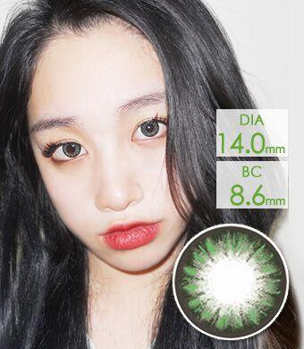 【1年カラコン】Dana Green (AM77) /1213</BR>DIA:14.0mm, 度あり‐10.00まで